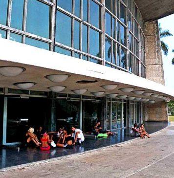 El teatro cubano en la Revolución
