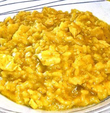 Arroz con curry a la piña