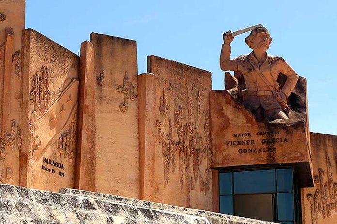 La Plaza de la Revolución Mayor General Vicente García González