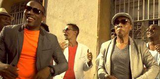 El audiovisual del tema El lunar es el segundo video promocional del disco No quiero llanto - Tributo a Los Compadres