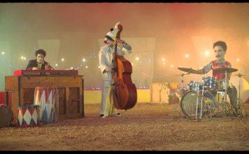 El videoclip Fantasma en caravana, dirigido por Joseph Ros, le da promoción a este tema del artista cubano Harold López- Nussa. En el clip encontramos a una